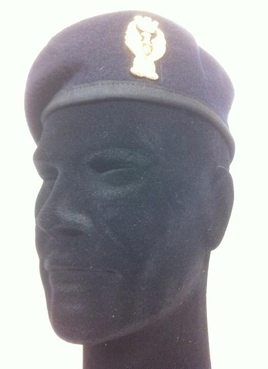 Basco Spagnolo Blu Notte Bordo Tessuto con Fregio Polizia di Stato FAV  Italia Art.PS-BB 4e8579901f06